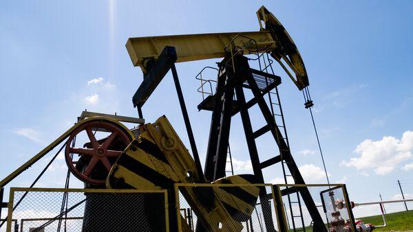 Нефтяные станки-качалки - Sputnik Азербайджан