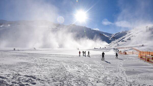 Снежные каникулы в солнечном Азербайджане - Sputnik Azərbaycan