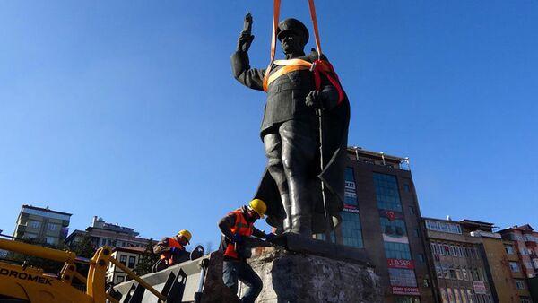 Демонтаж памятника Ататюрку в Ризе - Sputnik Азербайджан