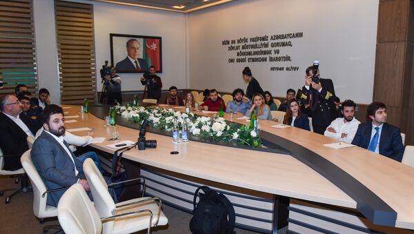 Azərbaycan Yelkənli İdman Federasiyasında media nümayəndələri ilə görüş - Sputnik Azərbaycan