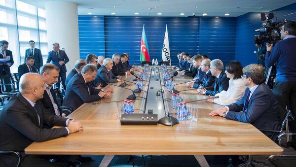 Государственная нефтяная компания АР (SOCAR) и компания ВР подписали письмо о намерениях по разработке месторождения Азери-Чираг-Гюнешли - Sputnik Азербайджан