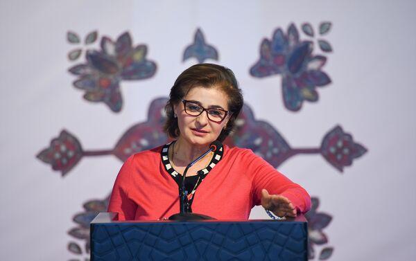 Советник национальной комиссии ЮНЕСКО в Азербайджанской Республике Гюльнара Агаларова - Sputnik Азербайджан