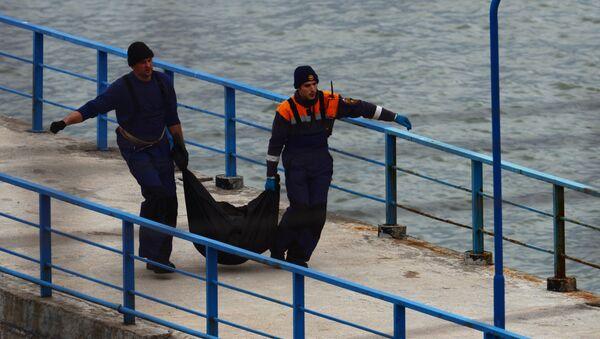 Поисково-спасательные работы на месте крушения самолёта Ту-154 Минобороны РФ в Сочи - Sputnik Азербайджан