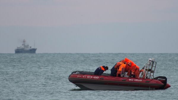 Поисково-спасательные работы у побережья Черного моря, где потерпел крушение самолет Минобороны РФ Ту-154 - Sputnik Азербайджан
