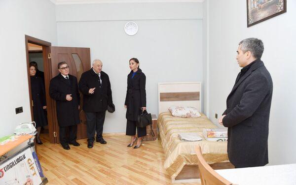 Все квартиры двухблочного здания отремонтированы на высшем уровне, обставлены мебелью и другим инвентарем - Sputnik Азербайджан