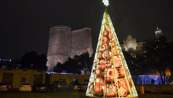 Новогоднее украшение Баку, 29 декабря 2017 года - Sputnik Азербайджан