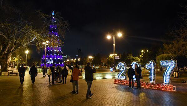 Новогоднее украшение Баку - Sputnik Azərbaycan