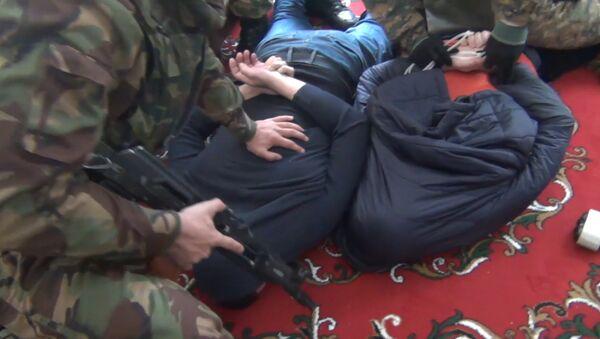Задержание сторонников ИГ в Дагестане. Оперативные кадры - Sputnik Азербайджан