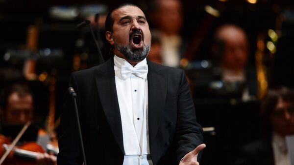 Азербайджанский оперный певец Эльчин Азизов - Sputnik Азербайджан