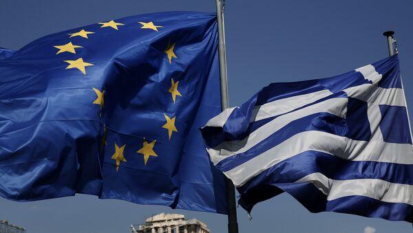 Флаги Греции и Евросоюза, фото из архива - Sputnik Азербайджан