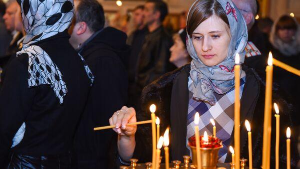 Рождественская ночь в Кафедральном соборе Жен Мироносиц в Баку - Sputnik Азербайджан
