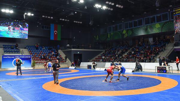 Чемпионат Азербайджана по борьбе среди взрослых - Sputnik Azərbaycan