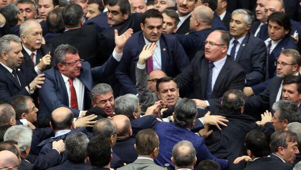 Драка в парламенте Турции - Sputnik Азербайджан
