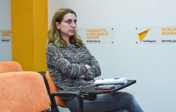 Пресс-конференция на тему Помогут ли выделенные линии для автобусов решить проблему пробок? - Sputnik Азербайджан
