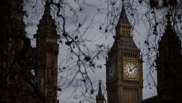 Часовая башня Вестминстерского дворца в Лондоне - Sputnik Азербайджан