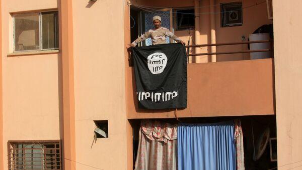 Флаг Исламского Государства в Ираке, фото из архива - Sputnik Азербайджан