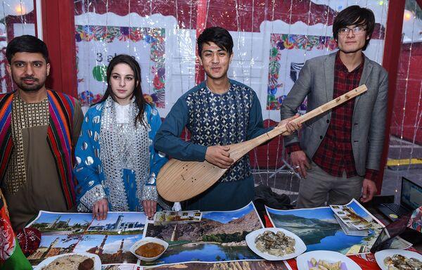 Фестиваль культур Global Village 2017 на Площади фонтанов - Sputnik Азербайджан