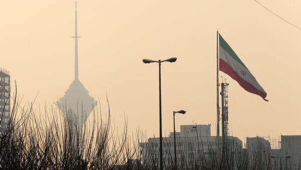 Вид на телебашню Бордже Милад в Тегеране, Иран - Sputnik Азербайджан