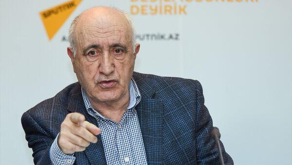 Эксперт в сфере образования Шахлар Аскеров - Sputnik Азербайджан