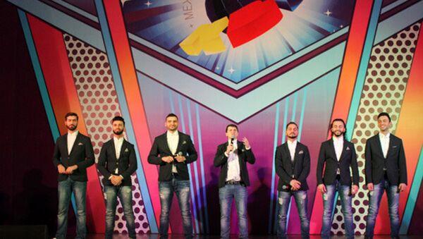 Команда Сборная Баку на сцене 28-го Международного фестиваля КиВиН-2017 - Sputnik Азербайджан