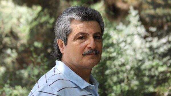 Известный азербайджанский журналист Чингиз Султансой - Sputnik Азербайджан