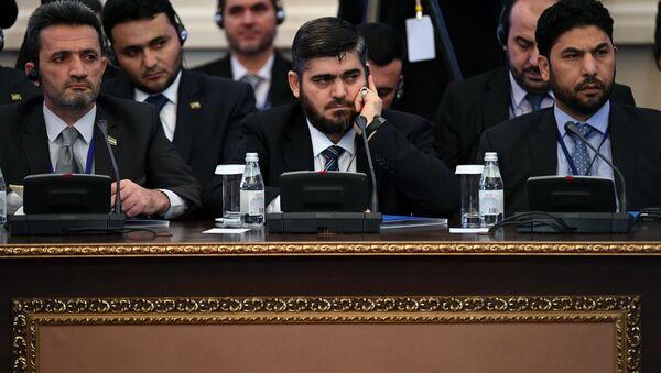 Глава делегации сирийской оппозиции на переговорах Мохаммед Аллуш - Sputnik Азербайджан