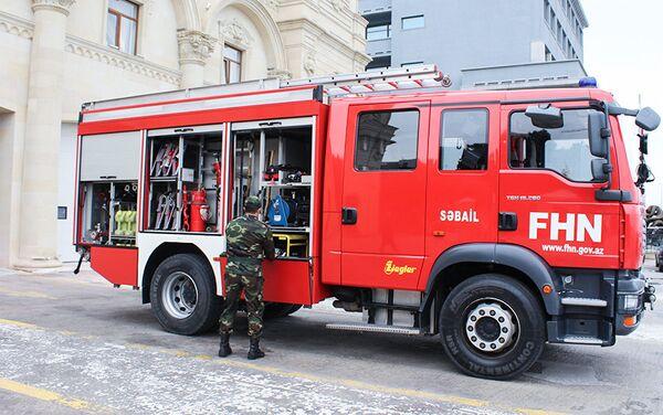 В случае пожара звонки поступают и в штаб, и в часть - Sputnik Азербайджан