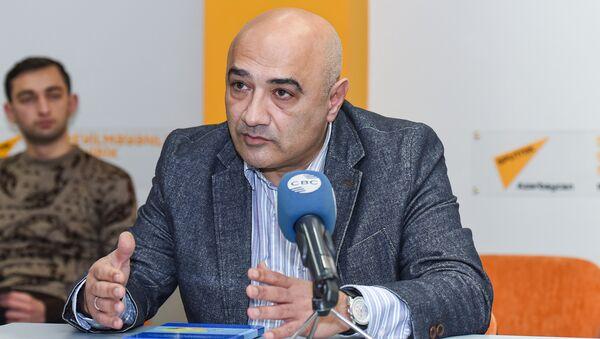 Политолога Тофик Аббасов - Sputnik Азербайджан