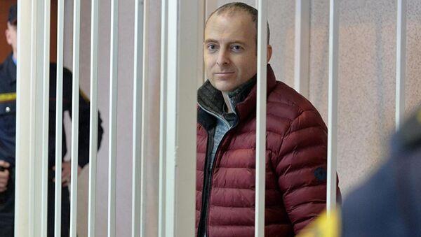 Блогер Александр Лапшин в зале суда - Sputnik Азербайджан