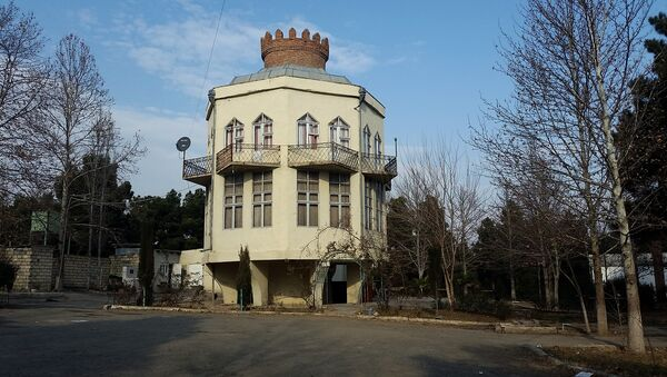 Naftalan rayonunda samovar formasında çay evi - Sputnik Azərbaycan