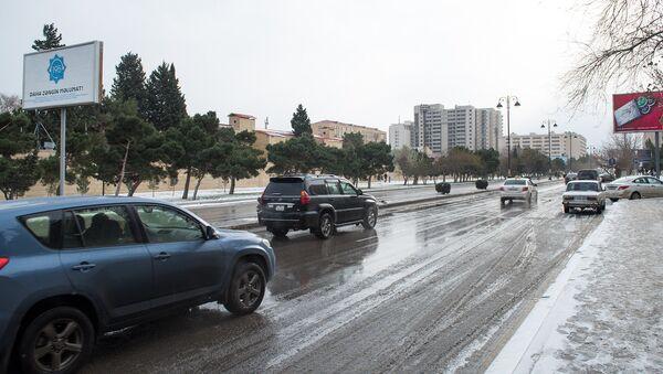 Снег в Баку, архивное фото - Sputnik Азербайджан