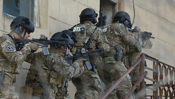 Сотрудники Службы государственной безопасности Азербайджана в ходе антитеррористической операции - Sputnik Азербайджан