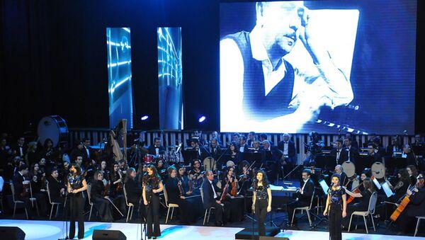 На сцене Дворца Гейдара Алиева состоялся грандиозный творческий вечер композитора Тофика Гулиева - Sputnik Азербайджан