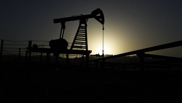 Нефтяной насос в Баку, фото из архива - Sputnik Азербайджан