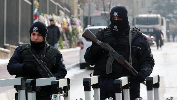 Турецкие полицейские в Анкаре, фото из архива - Sputnik Азербайджан