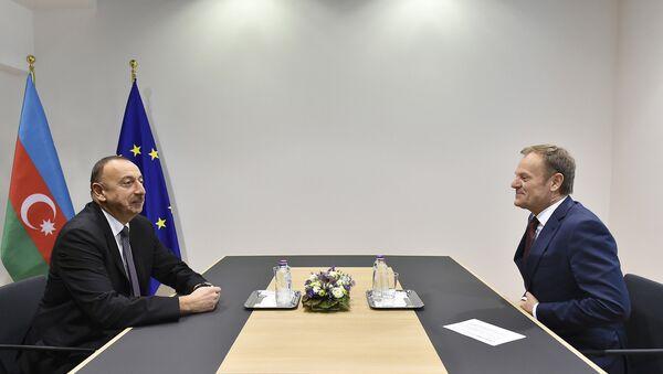 Президент Ильхам Алиев встретился с председателем Европейского совета Дональдом Туском - Sputnik Азербайджан