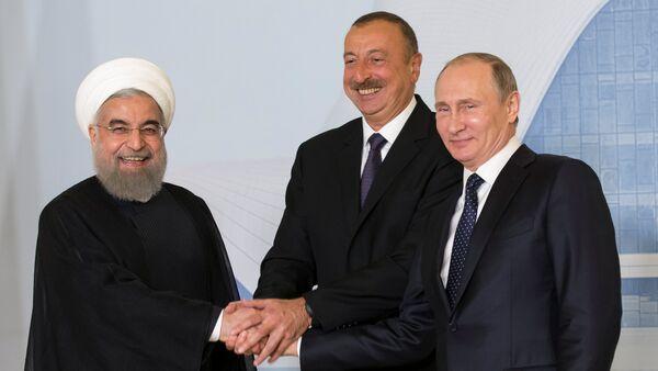 Трехсторонняя встреча президентов России, Ирана и Азербайджана в Баку. 8 августа 2016 года - Sputnik Азербайджан