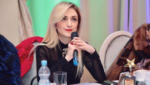 Руководитель Центра национальной одежды Гюльнара Халилова - Sputnik Азербайджан