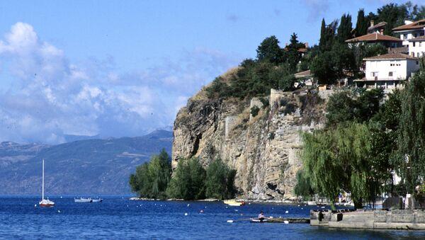Вид на город Охрид и Охридское озеро, Республика Македония - Sputnik Азербайджан