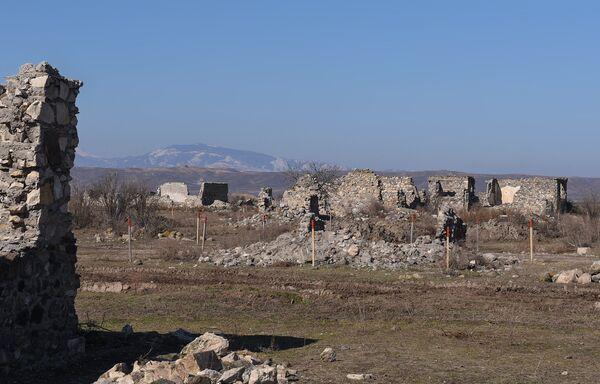 Разминирование села Чоджуг Марджанлы Джабраильского района АР - Sputnik Азербайджан