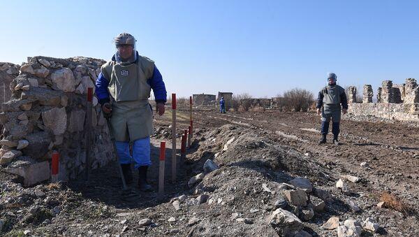 Разминирование села Джоджуг Марджанлы Джабраильского района АР, фото из архива - Sputnik Азербайджан