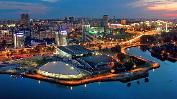 Вид на вечерний Минск, фото из архива - Sputnik Азербайджан