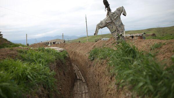 Окопы в зоне карабахского конфликта, фото из архива - Sputnik Azərbaycan