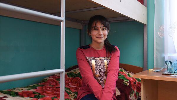 Девочка из Азербайджана услышала заветную фразу Ты супер! - Sputnik Азербайджан