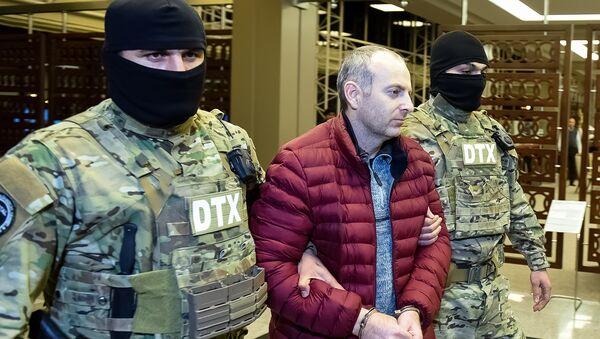 Российско-израильский блогер Александр Лапшин в бакинском аэропорту - Sputnik Azərbaycan