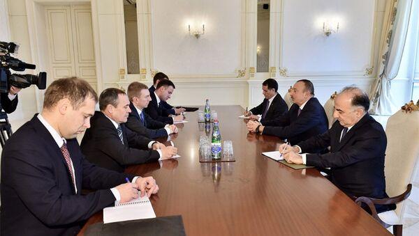 Президент Азербайджана Ильхам Алиев принял делегацию во главе с министром иностранных дел Латвии - Sputnik Азербайджан