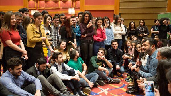Волонтеры IV Исламских игр солидарности в Баку - Sputnik Азербайджан