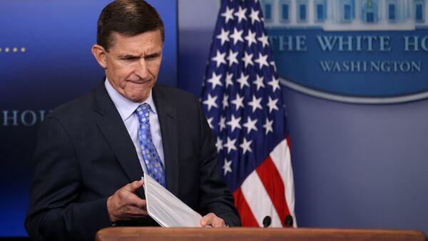 Советник президента США по национальной безопасности Майкл Флинн - Sputnik Азербайджан