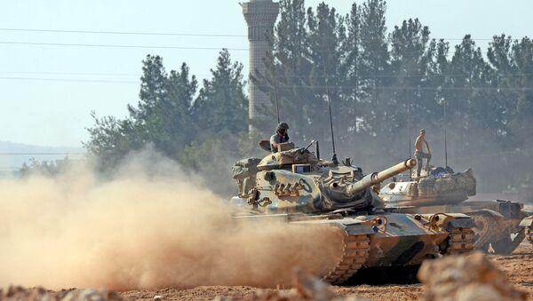 Танк ВС Турции в Сирии, фото из архива - Sputnik Азербайджан