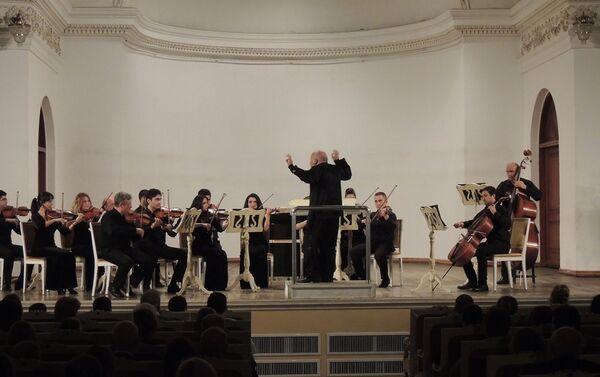 Концертом управлял народный артист Азербайджана, профессор Теймур Гейчаев - Sputnik Азербайджан
